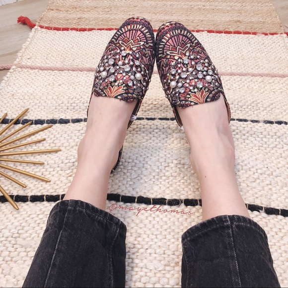 6a31b927d62 NWT a new day tapestry jeweled mules size 9.5